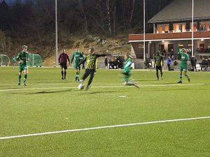 2017 brodd treningskamp henning scorer 1-0